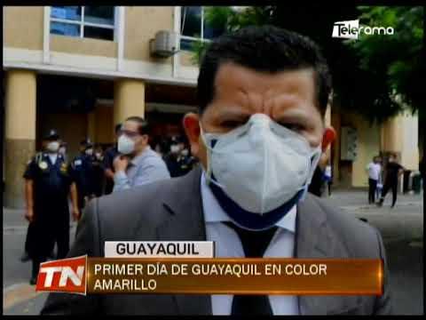 Primer día de Guayaquil en color amarillo