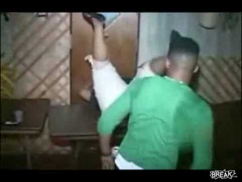 Mujer gorda baila reggae y rompe la mesa