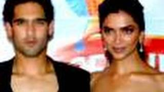 Deepika embarrased by boyfriend Siddharth!