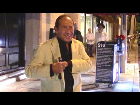 Paul Anka Gives Hilarious Response When Asked About Bieber's Nude Pics