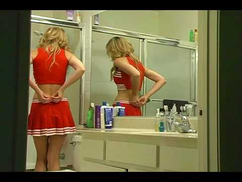 Cheerleader Shower Scene - Killer Pig Flick (видео)