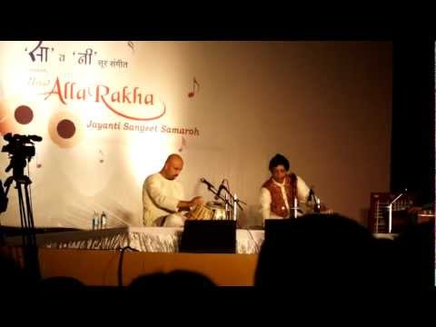 chatterjee - Live at Allah rakha jayanti sangeet samaroh,Pune,2012. Sorry for the shaky camera.