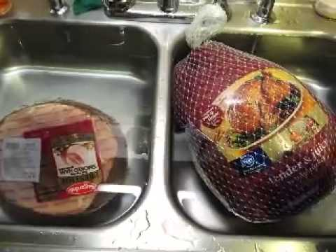 How to quickly thaw out turkey and ham