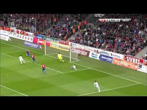 Divadlo Viktoria Plzeň uvádí... ( Plzeň-Sparta 15.září 2012)