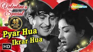 Video Pyar Hua Ikraar Hua - Raj Kapoor & Nargis - Shree 420 - Bollywood Evergreen Songs - Manna Dey & Lata MP3, 3GP, MP4, WEBM, AVI, FLV Juni 2018