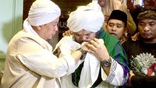 Video Pulang dari Turki, Opick Bawa Rambut Nabi Muhammad SAW ke Indonesia MP3, 3GP, MP4, WEBM, AVI, FLV Mei 2019