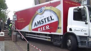 Vrachtwagens rijden zich klem