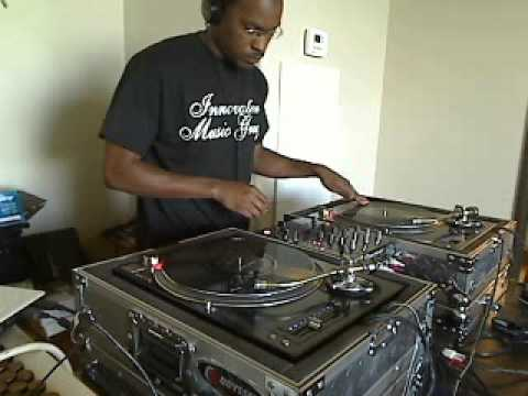 Split Personality Riddim Mix - September 2010 - HQ AUDIO