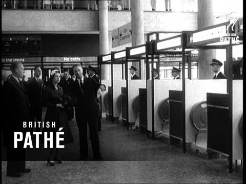 The Queen Opens Gatwick (1958)