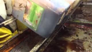 Filtrado de aceite de cocina usado...