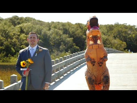 WIFE NAILS 'FIRST LOOK' IN T-REX COSTUME!