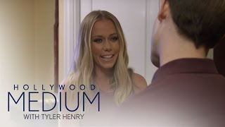 Video Will Tyler Henry Turn Kendra Wilkinson Into a Believer? | Hollywood Medium with Tyler Henry | E! MP3, 3GP, MP4, WEBM, AVI, FLV Desember 2018