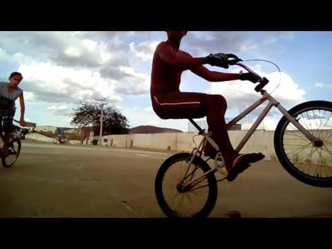 Grau de bike poço fundo