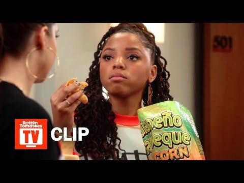 grown-ish S02E01 Clip | 'Zoey's Apartment Gets a Makeover' | Rotten Tomatoes TV