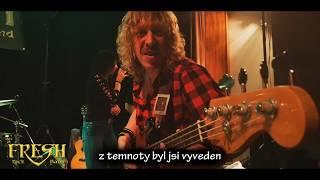 Video FRESH Band: Samotář v temnotách (cover: Fear of The Dark, Iron M