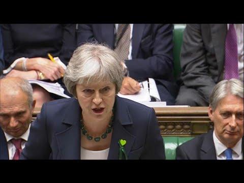 Χωρίς ήττα για τη Μέι οι κρίσιμες ψηφοφορίες για το Brexit