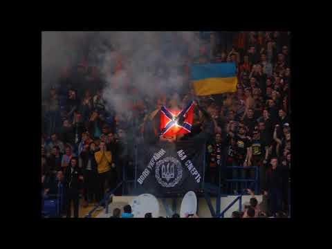 Фаны \Шахтера\ сожгли флаг Новороссии на матче с \Динамо\ - DomaVideo.Ru