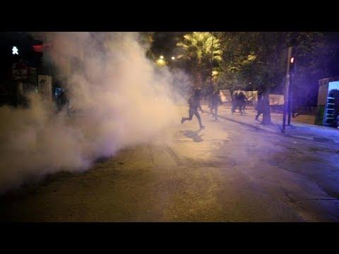 Kλεφτοπόλεμος με τους αντιεξουσιαστές στα Εξάρχεια