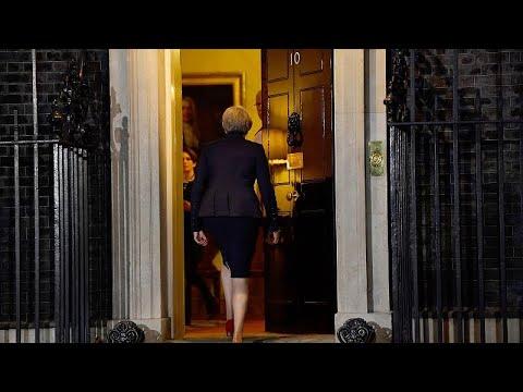 Brexit: Ένας ένας παραιτούνται οι υπουργοί της Μέι