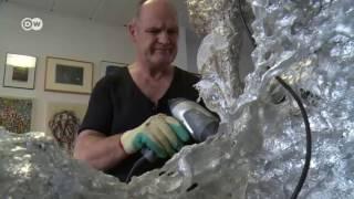 Analógico e digital: veja esculturas feitas com CDs