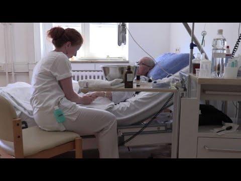 Pflegekräfte am Limit - 60.000 bis 100.000 Pflegekr ...