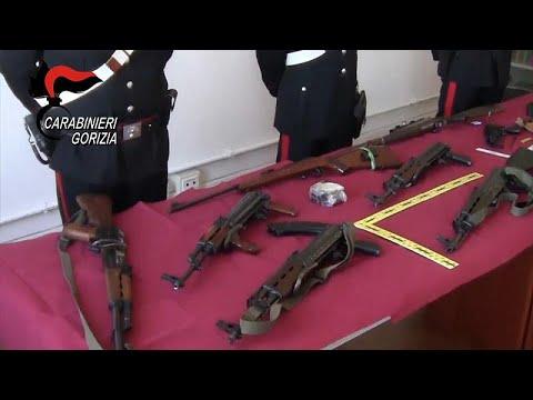 Europol: Schlag gegen Waffenschmuggel - rund 700 Kriegswaffen sichergestellt
