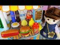 Download Lagu Baby doll and kitchen hamburger car toys surprise eggs cooking play - 토이몽 Mp3 Free