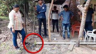 Download Video Warga Terkejut!! Muncul Lubang Misterius Di Halaman! Tak Disangka Ternyata Sarang King Kobra! MP3 3GP MP4