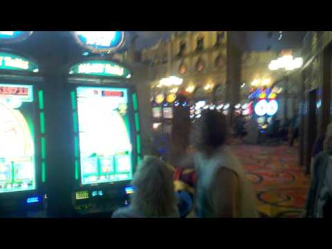 Biggest Las Vegas slot machine jackpot ever!