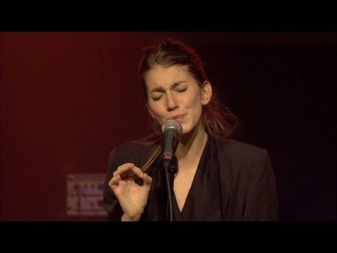 Boy - Jung, musikalisch, talentiert - die Schweizer Musikszene erhielt auch im Jahr 2011 hochkarätigen Zuwachs. Jeden Monat wählte die DRS 3 Musikredaktion ein «Be...