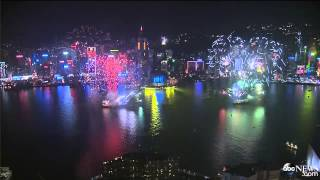 Hong Kong's New Year Fireworks Welcome 2015