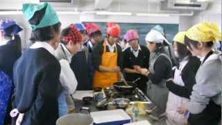 Japanese High School Cooking Class!!