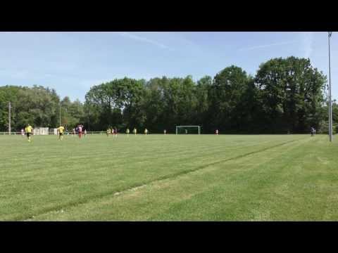 But de Séb (2-7) lors du match amical Etrépilly vs Vétérans de Pommeuse (2-7) (28-05-2017)
