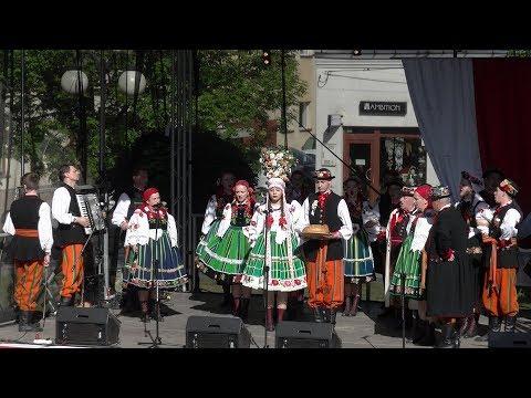Inscenizacja Wesela Boryny przez Zespół Boczki Chełmońśkie-Majówka Europejska Włoszczowa 2018
