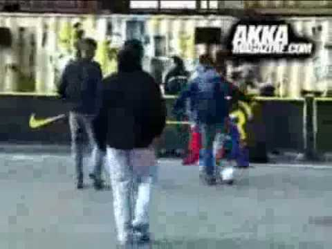 Espectaculares jugadas de street soccer