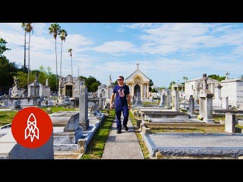 Restoring Veterans' Tombstones to New