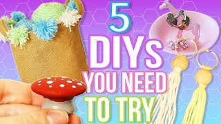 Hey Blushers! You guys seemed to really like my first 5 DIYS TO DO WHEN YOU ARE BORED video, so I decided to do a second one! Let me know if you guys want me to do a third 5 DIYS TO DO WHEN YOU ARE BORED video! This video is super exciting because it is a collab with TanaMontana100!! You will love her! Def watch her video after this! Which DIY was your favorite?!! Let me know!Tana's Channel: https://www.youtube.com/user/Tanamontana100Tana's Video: http://y2u.be/75GwI30MAH85 DIYS TO DO WHEN YOU ARE BORED! Quick and Easy DIY Ideas! http://y2u.be/Afz0zgL7Pa0I N S T A G R A Mhttp://instagram.com/keepcalmandblushonS N A P C H A Thttps://www.snapchat.com/add/blushonandonT W I T T E Rhttps://twitter.com/BlushOnAndOnF A C E B O O Khttps://www.facebook.com/keepcalmandblushonP I N T E R E S Thttp://pinterest.com/leah_pripps/♡Lens I use: http://amzn.to/2dbkbr0