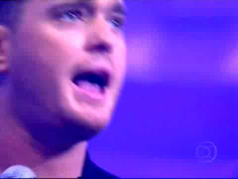 Michael Bublé canta Me and Mrs Jones no Domingão do Faustão