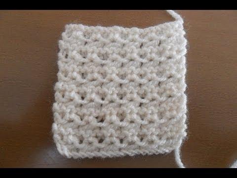 lavorazione di un punto fantasia a maglia