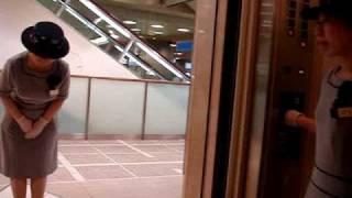 Video Tokyo Elevator Lady MP3, 3GP, MP4, WEBM, AVI, FLV Agustus 2017