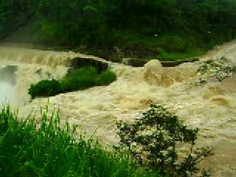 Tv ZeZe na Enchente em Tombos-MG