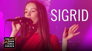 Nonton Sigrid: Don't Kill My Vibe (Apple Music Up Next) Film Subtitle Indonesia Streaming Movie Download