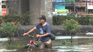 Flood Waters Advance On Bangkok
