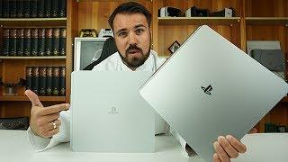 """Heute zeige ich euch die Playstation 4 Slim Konsole in der silbernen Limited EditionHier gibt es die silberne: http://amzn.to/2tt5pqJHier gibt es die goldene: http://amzn.to/2s5mu5IHier geht es zur weißen: http://amzn.to/2tpr4PyPS4 Slim: http://amzn.to/2tpmf8SPS4 Pro: http://amzn.to/2s56uR6Controller in Silber, der neue (2016): http://amzn.to/2s5fWUD Controller in Gold, der neue (2016): http://amzn.to/2spZgXb---Nichts verpassen wollen? Auf YouTube abonnieren: http://bit.ly/BehandlungszimmerFacebook: http://www.facebook.de/drunboxkingTwitter: http://www.twitter.de/DrUnboxKingInstagram: http://instagram.com/drunboxking/Twitch: http://www.twitch.tv/drunboxking/Privatpatient werden?http://www.drunboxking.de---Ehrlichkeit und Transparenz sind mir wichtig! Deswegen produziere ich meine Videos nach dem """"Der Eid des Doc"""" Prinzips! Alles Weitere auf http://DrUnboxKing.de/eidManche Links in der Videobeschreibung können Affiliate-Links sein. Wer mich unterstützen möchte, kann über die Links etwas kaufen! Das Coole ist, es kostet Euch keinen Cent mehr! Vielen Dank für Eure Unterstützung!Dieses Video beinhaltet keine bezahlte Produktplatzierung.---"""