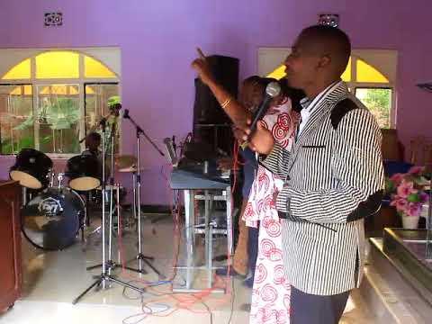 Video MTUMISHI AJA NA USHUHUDA MZITO download in MP3, 3GP, MP4, WEBM, AVI, FLV January 2017