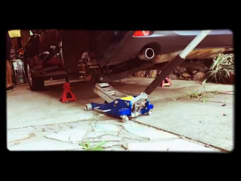 Mazda 3 H&R rear spring swap (видео)