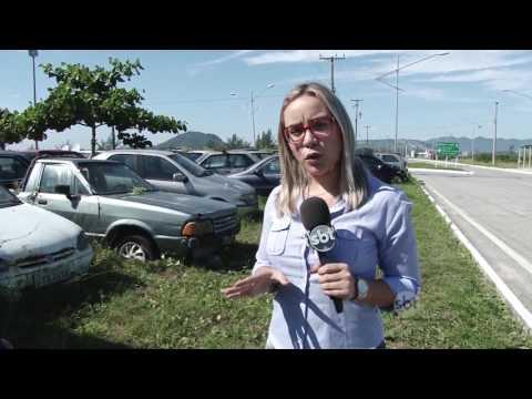 Carros entulhados em depósito de apreendidos em Arraial do Cabo geram problemas à cidade