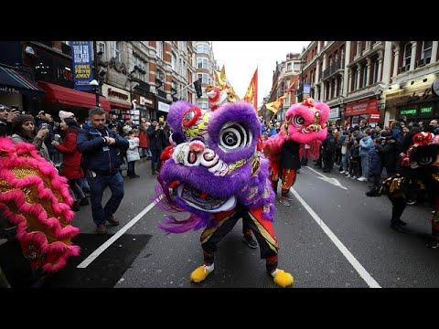 No Comment: Κινεζική πρωτοχρονιά σε Λονδίνο και Μιλάνο