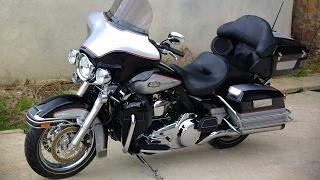 6. Harley-Davidson Electra Glide Ultra Classic 2010 FLHTCU Black-Silver