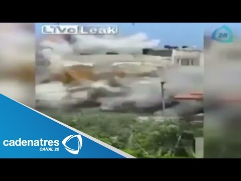 momento - VIDEO: Momento en que explotan una casa en Franja de Gaza / VIDEO: Moment running a home in Gaza Strip 23 de julio 2014. VIDEO: Moment running a home in Gaza Strip Para más información...